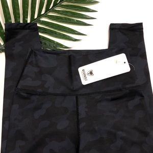 NWT Wearwolf high waisted leggings black camo S